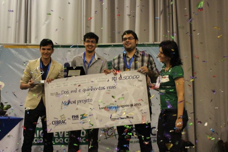 Empresa de mini hortas, Eco Life, recebe o prêmio de R$ 2,5 mil